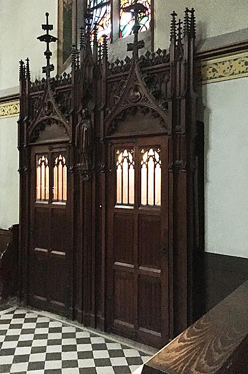 Biechtstoel in de Krijtberg