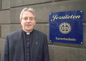 rector Bart Beckers SJ